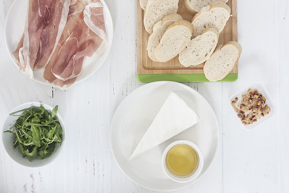 ingredients for Prosciutto, Brie and Arugula Bruschetta