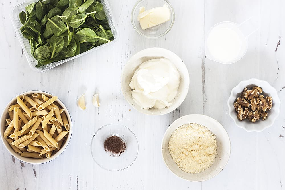 ingredients for creamy spinach and walnut pasta