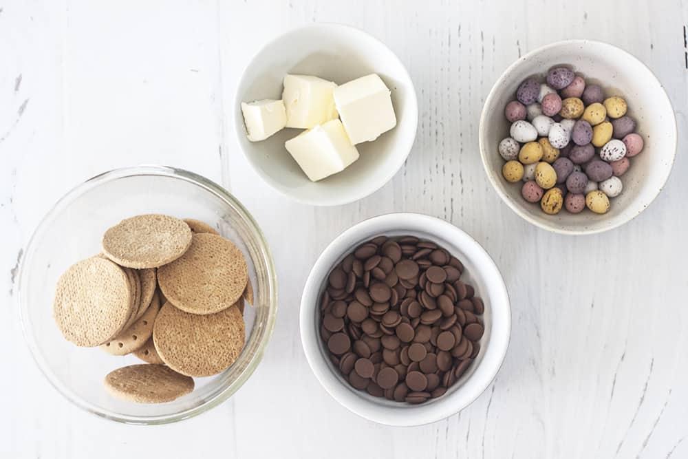 ingredients for no-bake easter slice