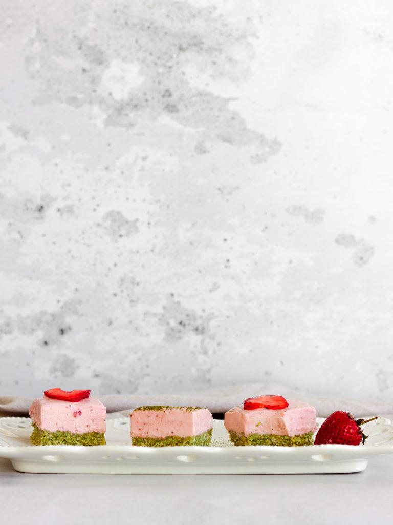 No-Bake Strawberry Matcha Cheesecake
