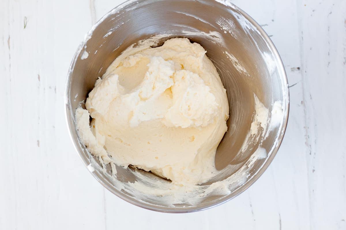 mascarpone cream layer for tiramisu